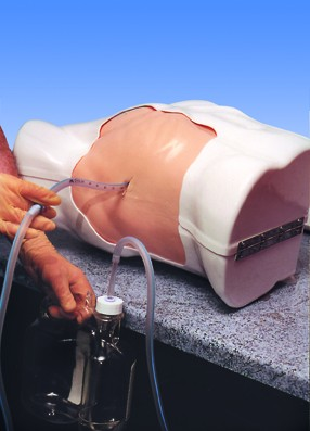 Drenaż klatki piersiowej to symulator do zaawansowanego szkolenia technik ratowania życia. Innowacyjny model realistycznie symulujący tkankę ciała ludzkiego.